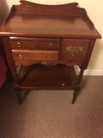 VERY CUTE LITTLE  ANTIQUE  NIGHT STAND  WITH 3 SMALL DRAWERS