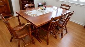 Vintage Cushman Company Dining Set w/Pull Out Extensions