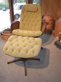 PLYCRAFT BENTWOOD CHAIR AND OTTOMAN BY GEORGE MULHAUSER