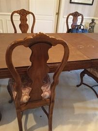 Drexel Heritage dining room table, 3 leaves, pads & 6 chairs