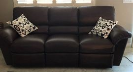 La-Z-Boy Electric Reclining Sofa (2)