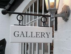 Entering the Gallery.....