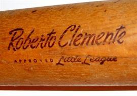 ROBERTO CLEMENTE LITTLE LEAGUE BASEBALL BAT