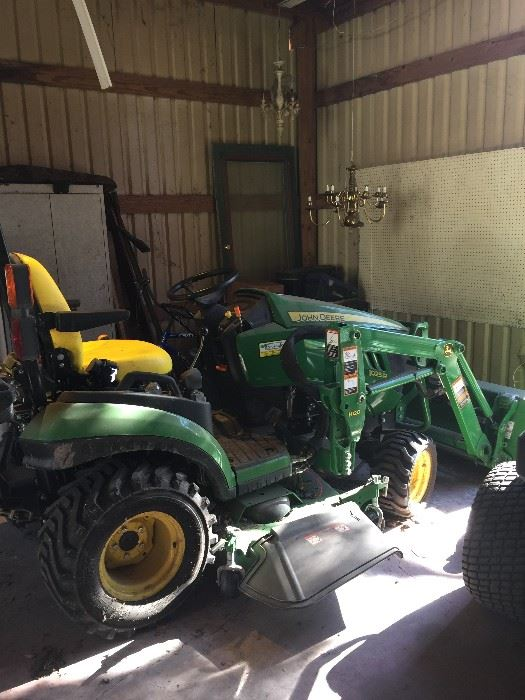 Selling The Farm Ft Bend Co Estate Sale J Deere Tractor Victorian Antiques