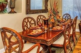 Dining Room Table with 6 chairs and table leaf