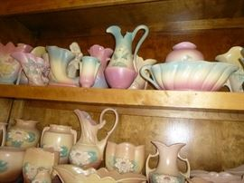 VERY LARGE COLLECTION OF HULL POTTERY