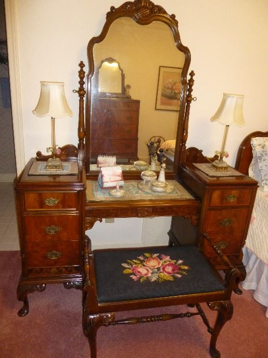 Listed by Painted Penny Estate Sales BEDROOM SET: VANITY / DRESSING TABLE  AND BENCH, MATCHING FULL,ANTIQUE VANITY / DRESSING - Find Vanity At Estate Sales