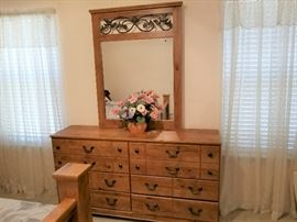 Beautiful Pine Dresser and Mirror