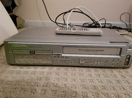 DVD /VCR Combo (tested and functioning)