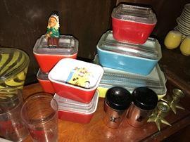 Vintage Pyrex- Fridge containers