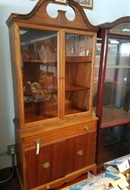 China Closets  / Curios / Hutches