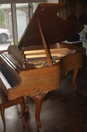 STIENWAY BABY GRAND PIANO