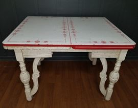 Antique Expandable Table
