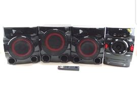 LG 700W 2.1 Channel Mini Shelf System With Built-In Subwoofer and Bluetooth