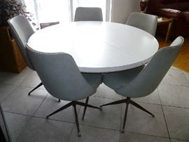 WHITE FORMICA TABLE W/5 CHAIRS