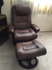 NICE! Barcalounger leather chair and ottoman. This chair is so comfortable and is in great shape. Retails for $650!