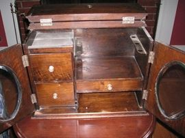 Tobacco and pipe storage
