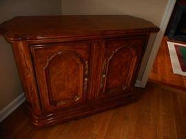 Drexel Heritage Furniture Serving Cart/Portable Bar top opens/closes/storage