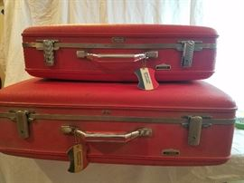 Vintage American Tourister Red Tiara Luggage Set  http://www.ctonlineauctions.com/detail.asp?id=678211