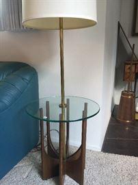 MID CENTURY MODERN LAMP TABLE