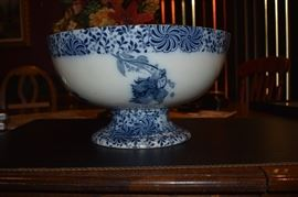 Gorgeous Flow Blue Punch Bowl in Beautiful Condition! The wording on the underside of the base reads: Doulton Burslem England Vernon