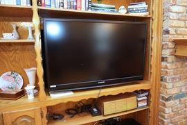 Mitsubishi LCD flat panel HDTV