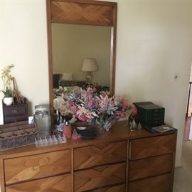 LANE dresser and mirror with matching end table