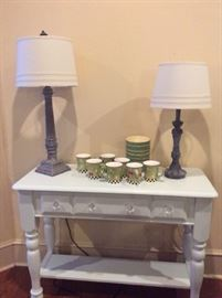 Accent table and lamps