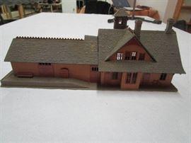 HO Scale Model Railroad Building/Structure