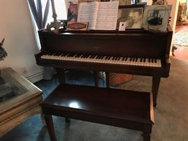 SOHMER & CO. BABY GRAND PIANO, 1929, CUPID MODEL WITH BENCH