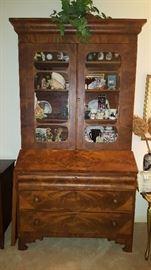 "Stunning Cabinet Burlwood ""Bookcased"""