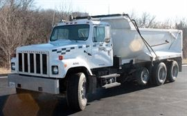 1985 International F-2574 Dump Truck, VIN # 1HTZPKCR6FHA48871, 108106.4 Miles, Runs and Drives