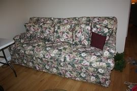 Very nice sofa-like new