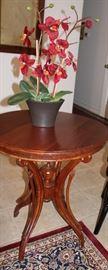 furniture antique round table