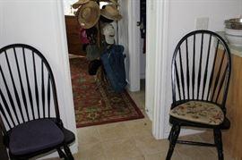 furniture black winsdor style pair chairs