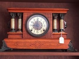 Oak Mantle Mantle Clock with Brass Feet and Columns