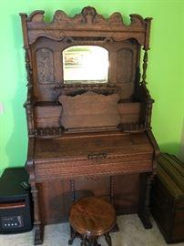 Victorian Weaver Pump organ