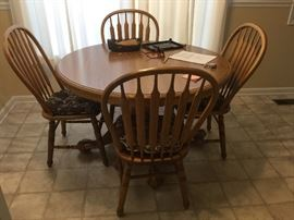Oak dinette table & 4 chairs