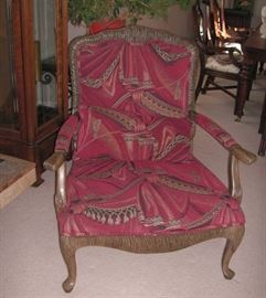 Henredon Queen Anne style chair
