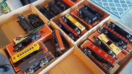 027 Lionel trains, most pristine, most in boxes... also some tin litho Marx 027 trains, also have superclean track, vintage houses, trees...
