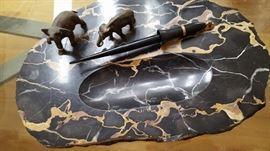 marble pen rest