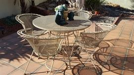 metal vintage patio table 4 chairs