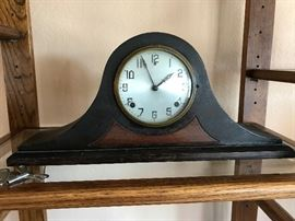 Gilbert wind up clock