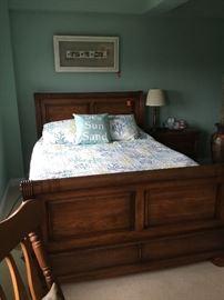 Sleigh bed queen size & mattress