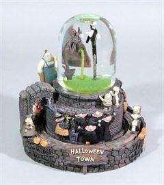 """Disney Tim Burton Nightmare Before Christmas Musical """"Nightmare Snow Globe"""", Plays """"This is Halloweens, Original Disney Store Box, 7""""Dia x 8""""H"""
