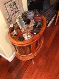 Display end table