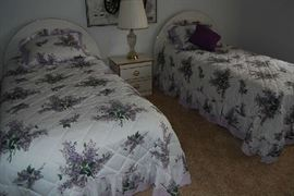 Twin beds in good condition