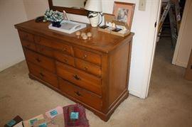 Vintage dresser with mirro