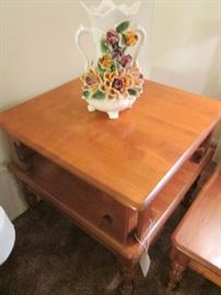Stunning Vase and details of End Table