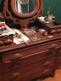Victorian 3 drawer dresser
